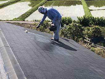 前橋市富士見町 コロニアル屋根下塗り1回目