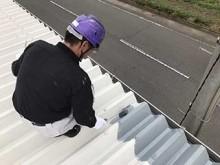 工場折半屋根 上塗り塗装