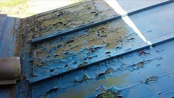前橋市富士見町A様邸トタン屋根塗膜劣化状況