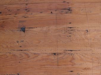 屋根材撤去後の野地板