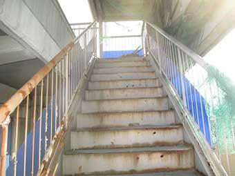 前橋市南町M様アパート外階段一階