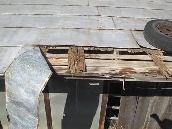 渋川市A様邸屋根の板金剥がれたアップ