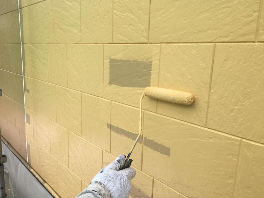 高崎市倉賀野町で外壁サイディングの中塗り