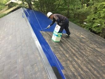 前橋市大屋根上塗り1回目塗装施工中