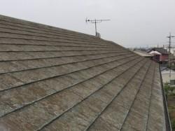 佐波郡玉村町のソーラーパネルのあるお宅の北側コロニアル屋根、塗装前