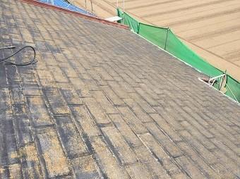 前橋市富士見町でコロニアル屋根の洗浄前