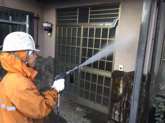 伊勢崎市鹿島町大きなお宅の外壁の洗浄作業