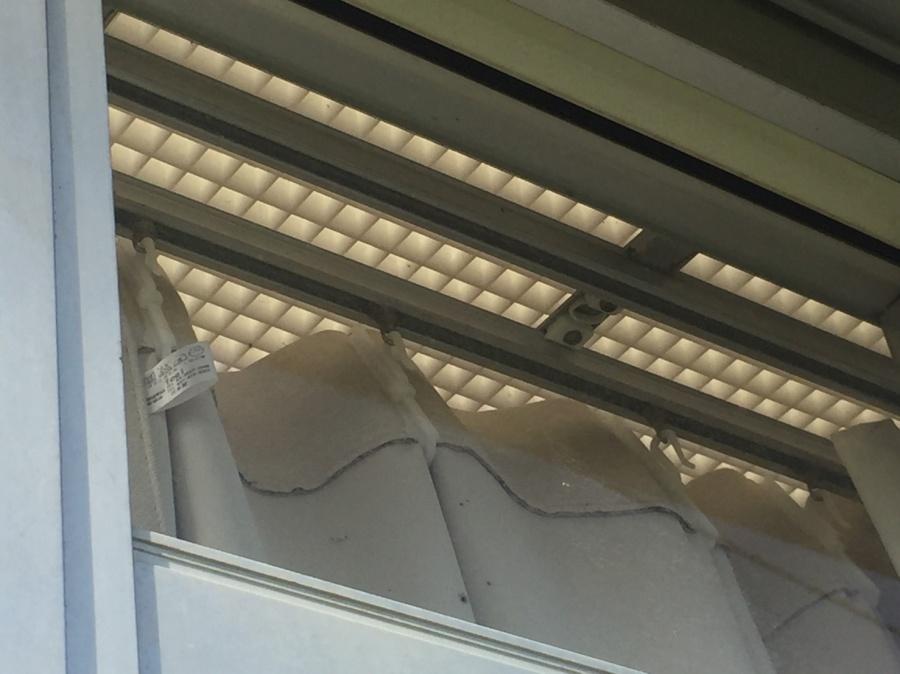 高崎市貝沢町M様邸突然のヒョウでサンルームに被害