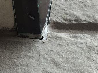 高崎市箕郷町窓のコーキングの隙間