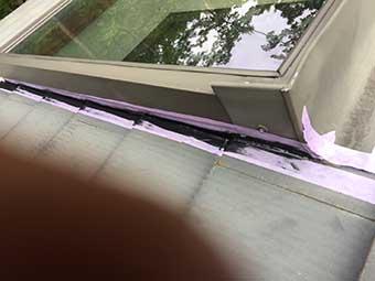 北軽井沢 天窓の雨漏り補修コーキング後