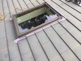 北軽井沢 天窓の雨漏り補修マスキングテープ