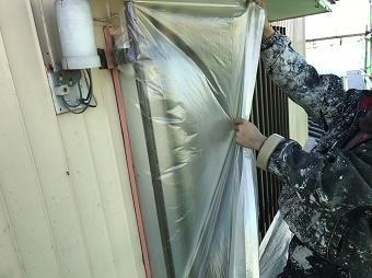 伊勢崎市鹿島町で塗装工事前に養生作業