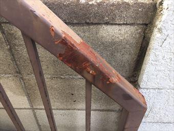 伊勢崎市三室町T様鉄骨階段手摺のサビ