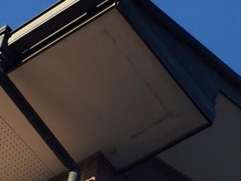 高崎市楽間町屋根下軒天井の傷み