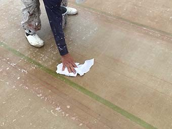 前橋市 ビル屋上防水 アセトン拭き