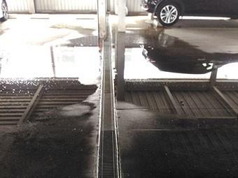 立体駐車場雨漏れ