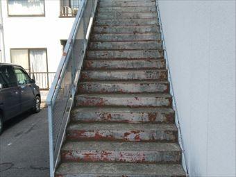 前橋市箱田町I様邸階段塗装2