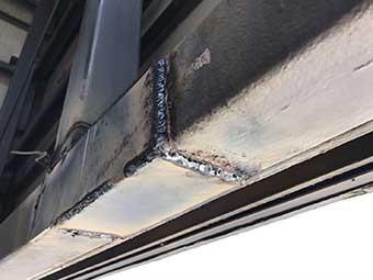 前橋市 屋上看板の補強鉄板取り付け後