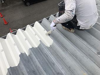 屋根の下塗り錆止め