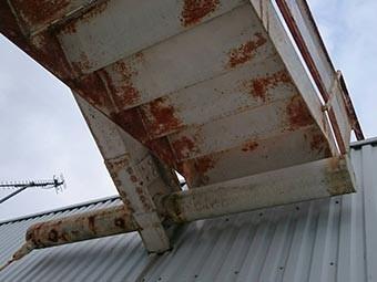 工場外階段サビ