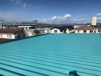 前橋市昭和町で折板屋根を遮熱塗料アレスクールで塗装しました