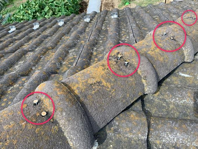 モニエル瓦屋根の点検で棟瓦のクギ浮きと瓦の劣化を確認しました|前橋市青柳町