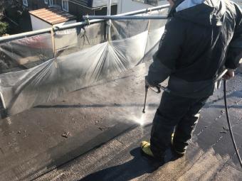 前橋市上小出町、コロニアル屋根洗浄