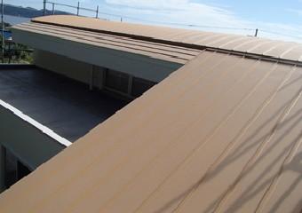 葺き替えをし綺麗になった屋根