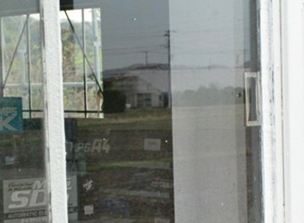 交換した窓ガラス